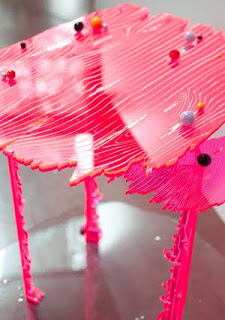 Styling Blog - Design, Interieur & Mode - Stylist Janette van Tol - Pink Table door ontwerpster Yuka Izutsu