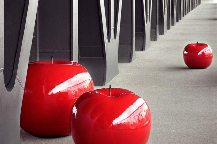 Keramische appels van kunstenaars Lisa Pappon, uitgebracht door Bull & Stein.