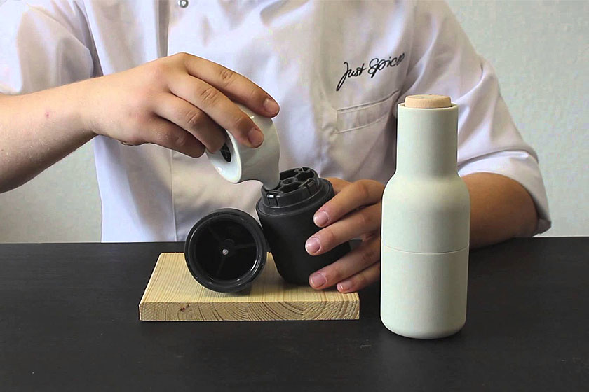 Binnenkant van de Peper- en zoutmolen 'Bottle Grinder' van MENU opStyling Blog - Design, Interieur & Mode - Stylist Janette van Tol
