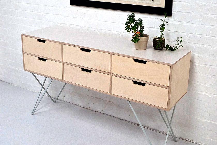 handgemaakte leonard sideboard in pale grey van britse studio new mooie foto ook