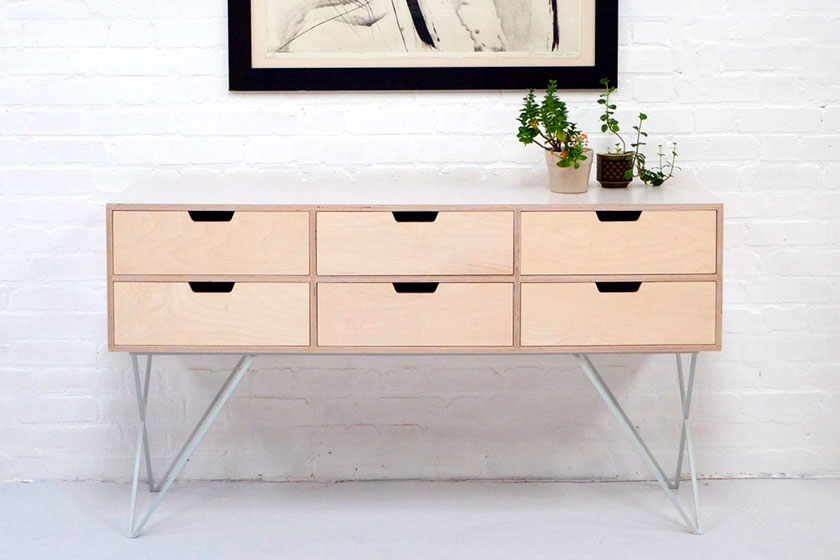 Handgemaakte Leonard Sideboard in Pale Grey van Britse Studio &New.