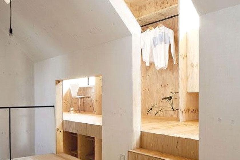 Multiplex is ook populair bij architecten. Dit interieur is daar een goed voorbeeld van. Mooi in combinatie met de andere materialen.
