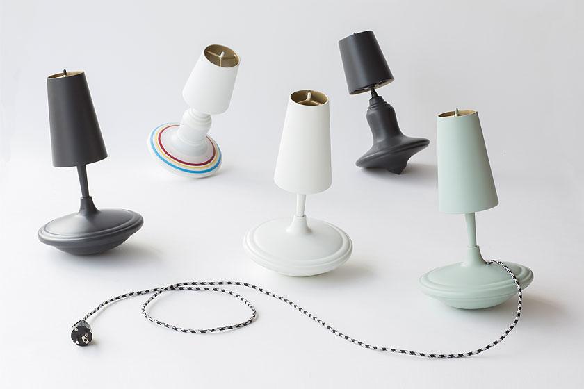 LABEL/BREED - Gietijzeren lamp van Demakersvan in samenwerking met ijzergieterij Lovink Technocast