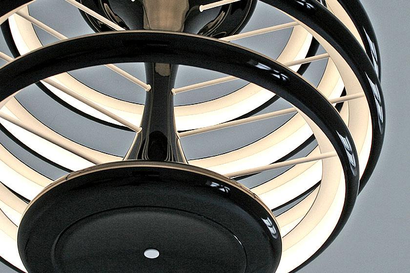 Ilomio- Deense designled lampen bedienen via een mobiele app. Handig of niet? De verlichting uit Denemarken is wel heel mooi!
