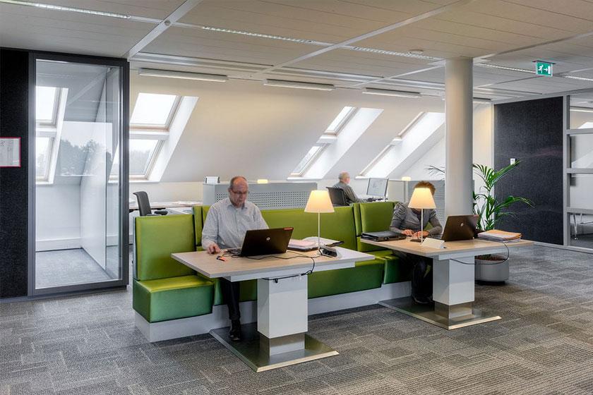 Het Nieuwe Werken- Ruime en open, flexibele werkplekken.