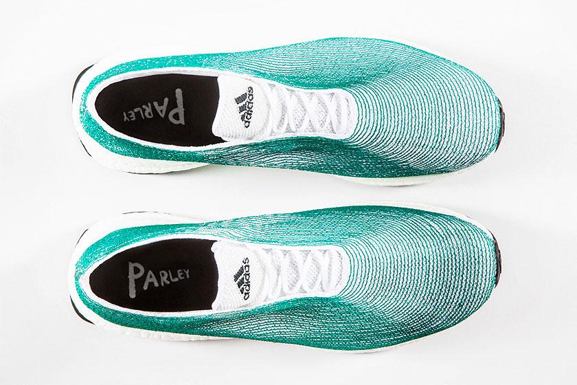 Adidasonthulde de eerste sneaker ter wereld gemaakt van plastic afval uit de oceanen.