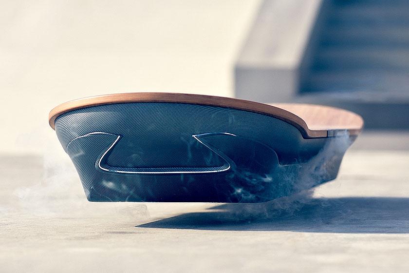HetLexus Hoverboard- innovatief skateboard zonder wielen, met magnetisch veld.