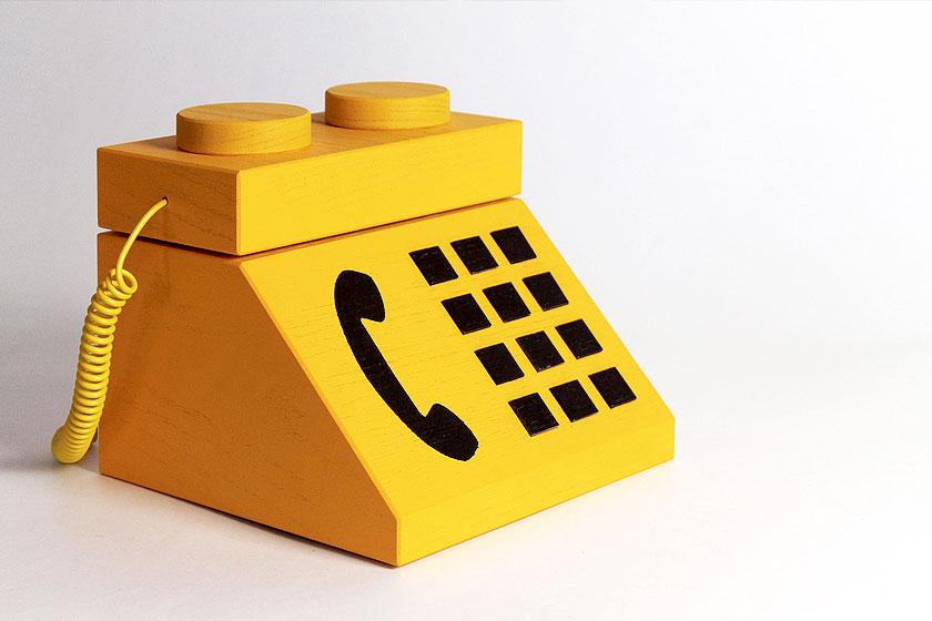 LEGO blokjes uitvergroot tot werkende computers. Kunst of kitsch?