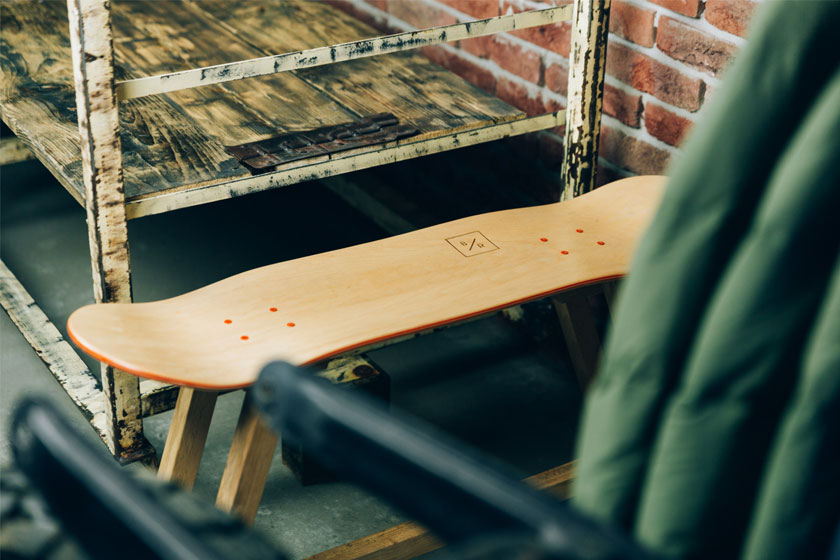 Baked / Roast - Skateboards worden hippe meubels door Nederlands design bureau Baked Roast uit Breda.Hier het Wood One bankje.