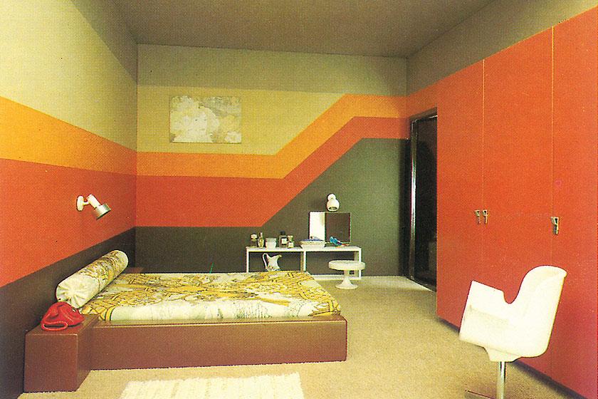 Verfmerk flexa viert zes decennia vernieuwende verf met mooi retro beeldmateriaal interieur - Verf haar woonkamer ...