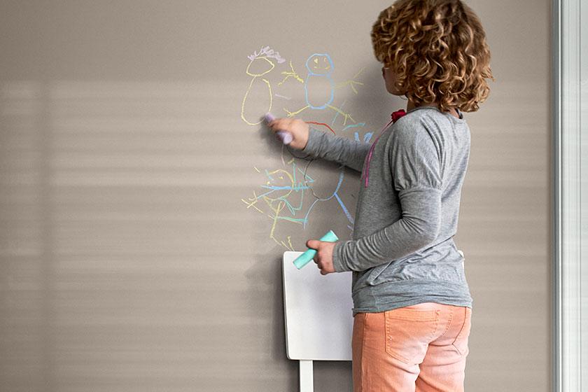 Flexa Expert schrobbare muurverf.Verfmerk Flexa viert zes decennia vernieuwende verf met een mooie terugblik op 60 jaar verf en kijkt vooruit met duurzame producten.