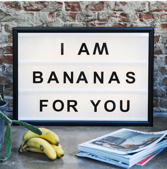 Lightbox-interieur-lichtbox-teksten-I-am-bananas-for-you-cadeau-tip-op-Styling-blog-nl.png