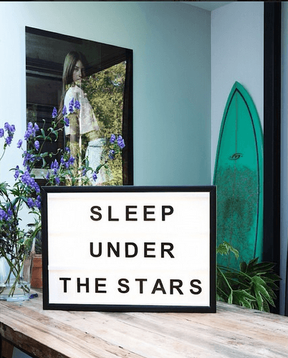 Lightbox-interieur-lichtbox-teksten-sleep-under-the-stars-cadeau-tip-op-Styling-blog.png