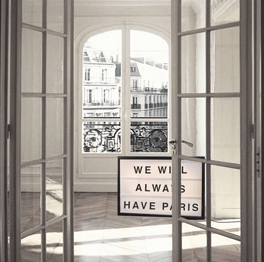 Lightbox-interieur-lichtbox-teksten-we-will-always-have-paris-cadeau-tip-op-Styling-blog-nl.png