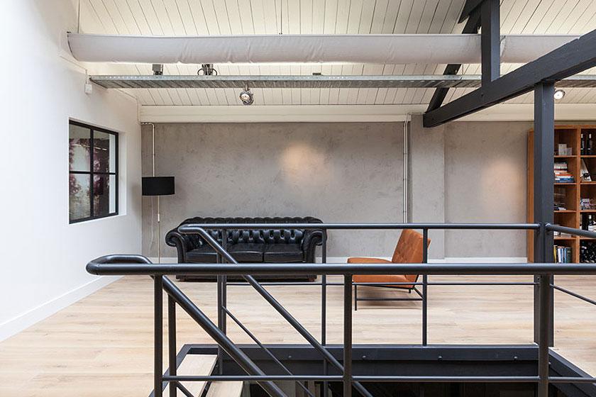 Architectenbureau Studio AA verbouwde een voormalig Amsterdams ketelhuis voor investeringsmaatschappij Nedvest - Daglicht via dakramen in puntdak