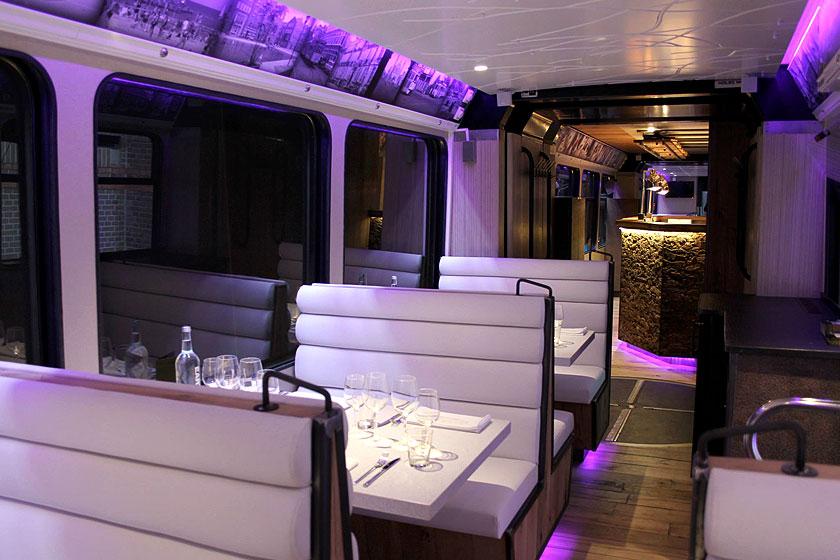 De Hoftrammm, een tram restaurant in Den Haag , is een bijzonder avondje uit en doet culinair gezien zeker niet onder voor een goed restaurant