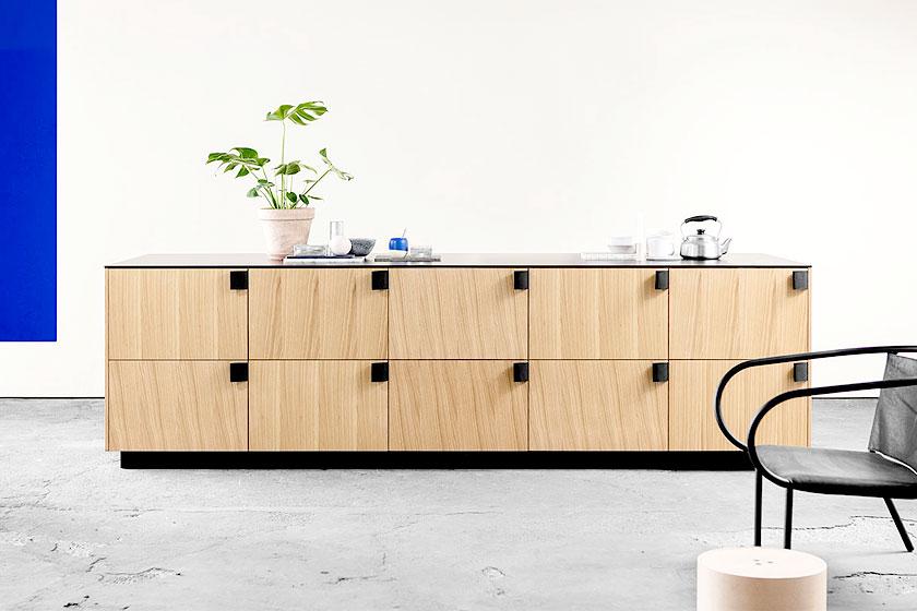 IKEA keuken gehacked door architectenbureau BIG - Vooral de unieke grepen zijn een mooi detail in het ontwerp.