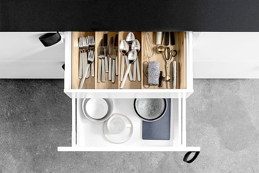 IKEA keuken gehacked door architectenbureau BIG als één van de drie IKEA hacks door interieur ontwerp bureau Reform