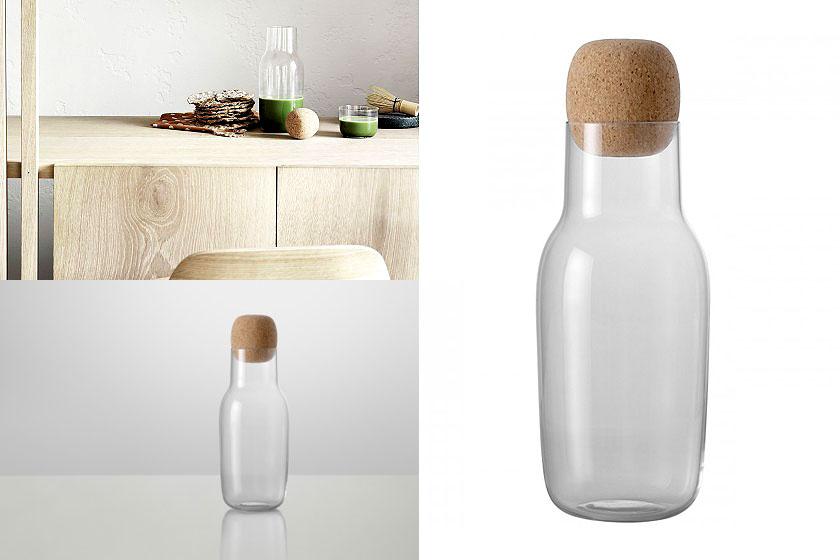 De Corky Karaf is een design van Muuto geïnspireerd op de oervorm van een fles. Oa. te koop via webshop Flinders.com