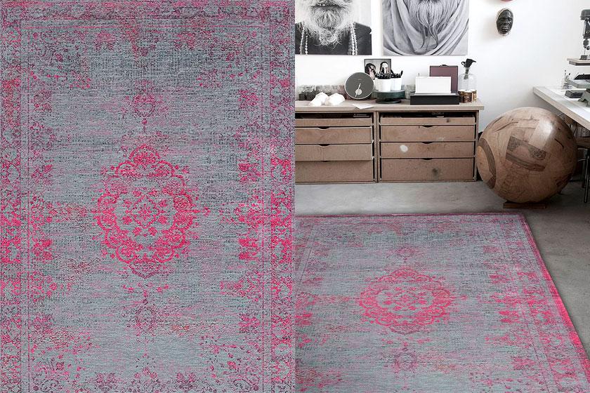 Medaillon vloerkleed in de collectie van Medaillon Fading uit Belgie, gemaakt van zuiver scheerwol en te koop via de webshop van vtwonen.