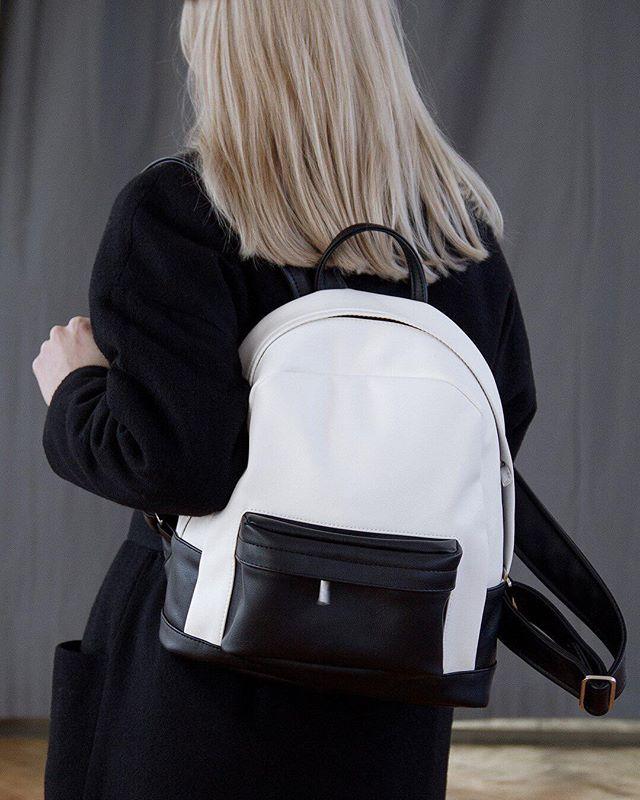 Рюкзак из экокожи черно-белого цвета ✨ внутри подкладка из хлопка ❤отделение для планшета ⚡вместительный внешний карман на молнии 🔥заказывайте на сайте lokiswear.ru и в нашем магазине 🛍 @k20.store 📷 @freedomstore_ru #Lokis #lokisbackpack #lokiswear #backpack #blackwhite #rukzak #handmade #moscow