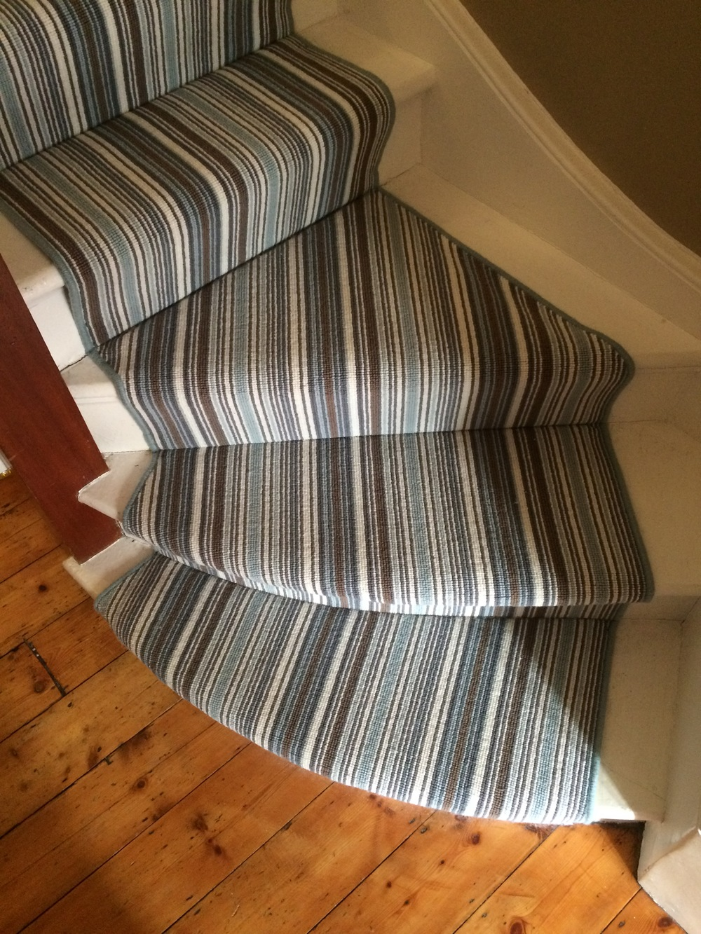 Crucial Trading Biscayne-powder blue stair runner corner with whipping