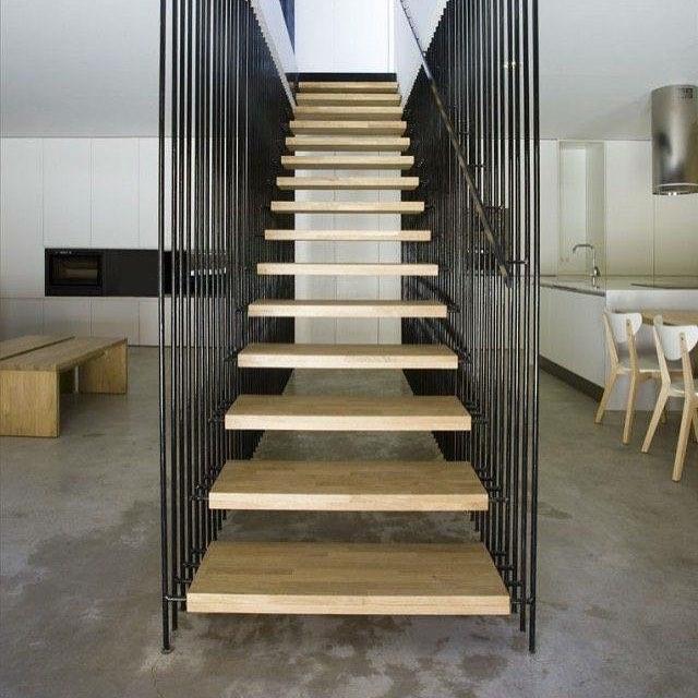 Stairs#interior #interiordesign #interior4all #interiors#homedecor #interiordesign #interiordesignblog #interiordesignerblogger #wnetrza #wnetrze #projektowaniewnetrz # zdjęcie: felinatral.tumblr.com
