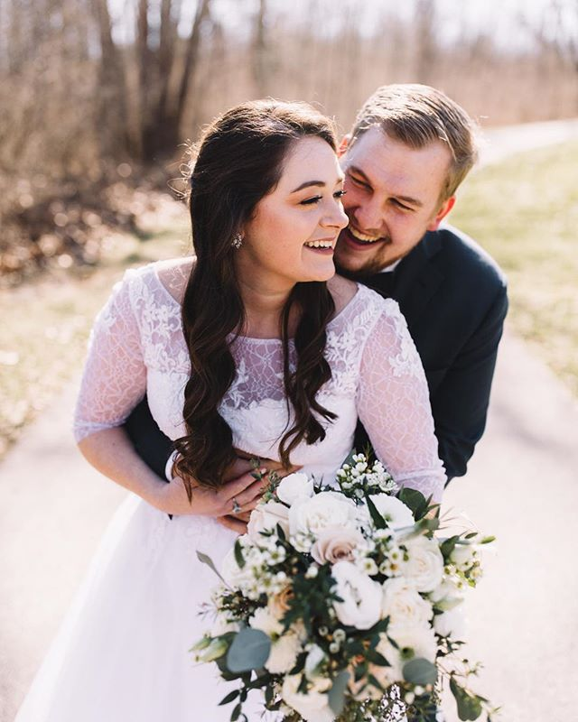 Yesterday was truly such a relaxed and joyful day filled with so much celebration for these beautiful souls! Lauren and Jacob are hilarious, encouraging, and just downright chill — which was reflected throughout every aspect of their wedding day. Seriously, I couldn't have asked for a better first wedding of 2019! Not to mention, the sunshine and breeze were SUCH A BLESSINGGG!!! 🙌 I absolutely adore these two and am so honored to know them!!!!