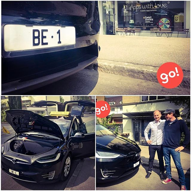 Welcome BE 1 #Tesla #taxi #NovaTaxiBern #go_app zu Besuch bei @appswithlove_team #taxiapp @teslamotors #integrationtests #apps #betatest #berne #notuber #posing #taxiappwithlove #appmarketing #mobility #emobility #go