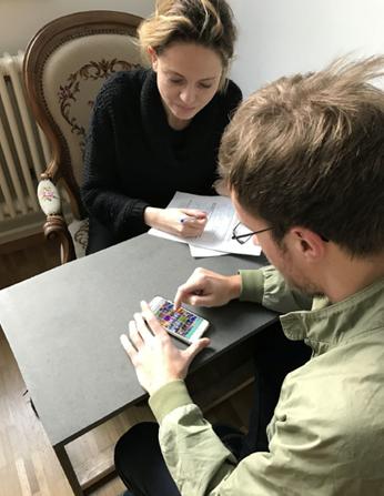 Alexandra Tanner beobachtet, wie sich der Nutzer im Testing verhält