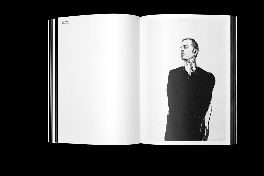 00_Vol_01_Spread_07_Black.jpg