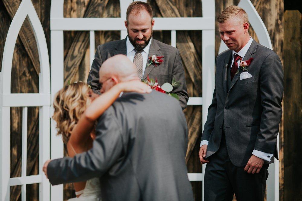 columbus ohio rustic wedding20.jpg