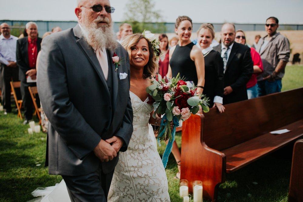 columbus ohio rustic wedding22.jpg