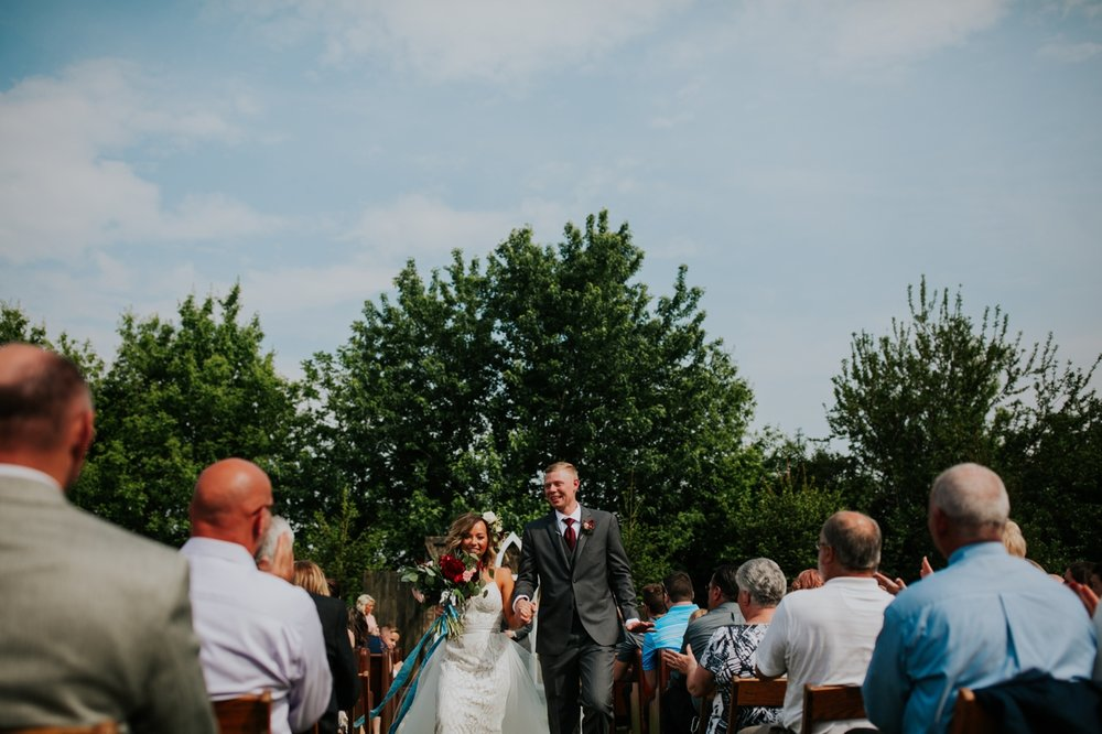 columbus ohio rustic wedding27.jpg