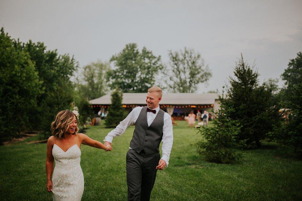 columbus ohio rustic wedding50.jpg