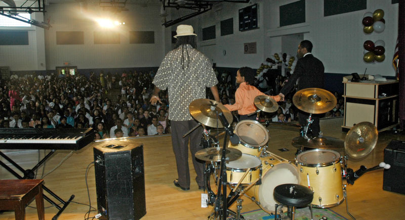 Spring 2012 Malachi was invited to be the special guest at the Dr. Leroy McCloud Elementary School Graduation. Malachi was excited to meet the graduates, and to share his music, and message on child safety.