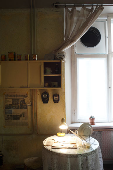 Exhale   Museum  Materials: Exhaust tubes, ventilator, glas, wood, agar DG18 (dichlora glycerol)