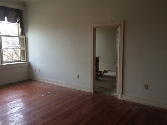main room looking toward bedroom south.jpg