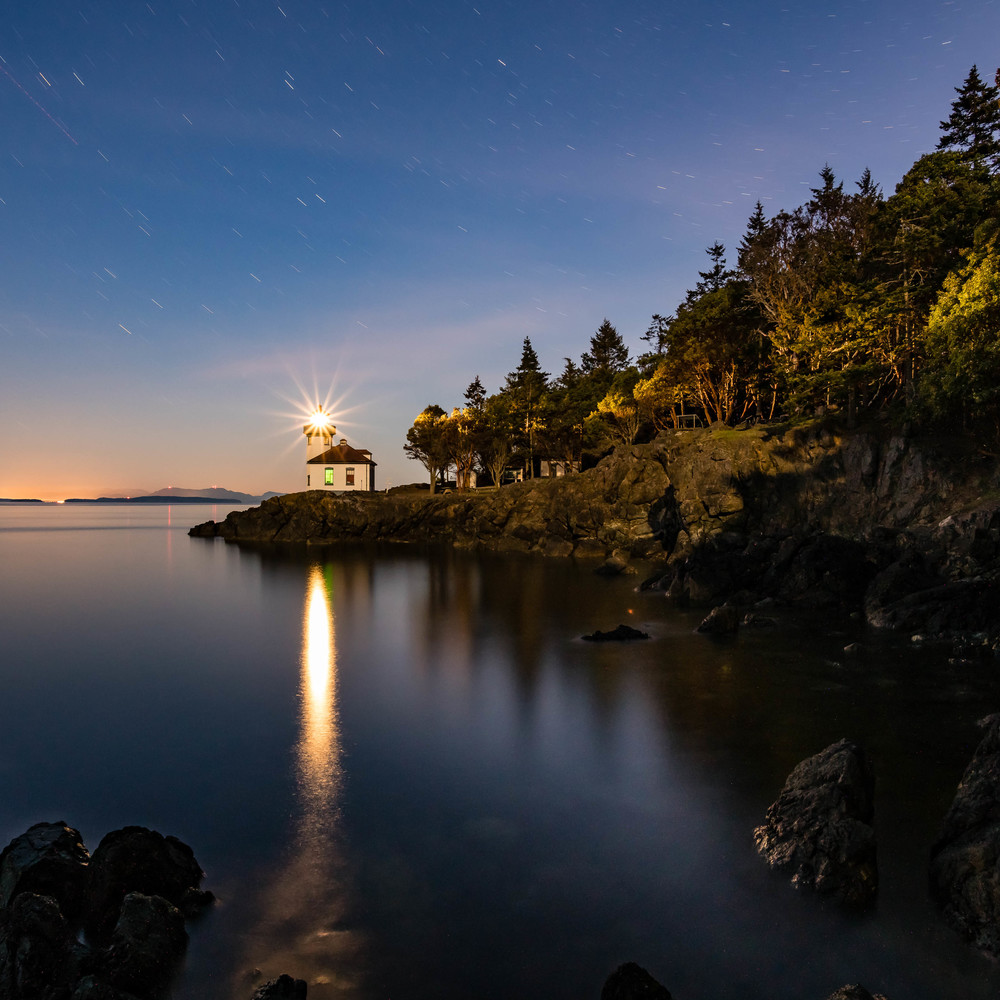 Lime Kiln Lighthouse, San Juan Island WA, 31 March 2016 Sony A7Rii + Nikon 20mm/1.8 244s @ f/? iso 1250