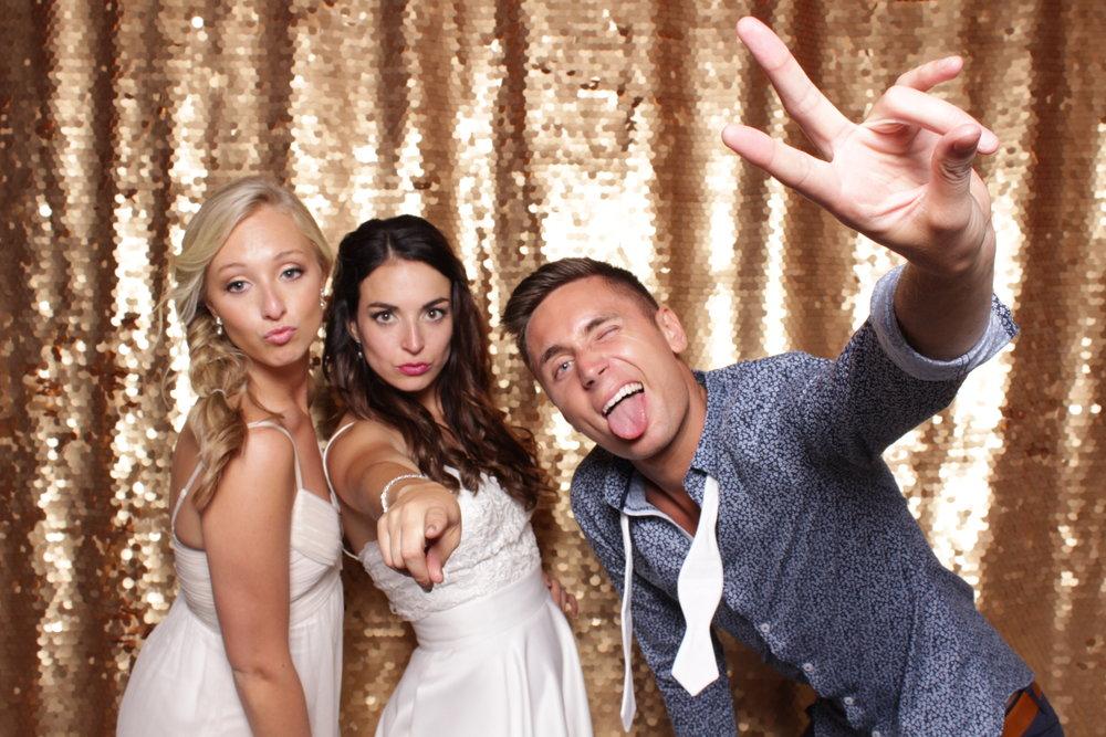 Minneapolis_St Paul_Photo_Booths_Weddings (13).jpg