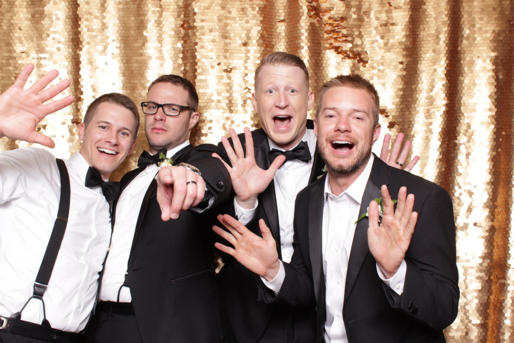 Minneapolis_Machine_Shop_wedding_photo_booth (13).jpg