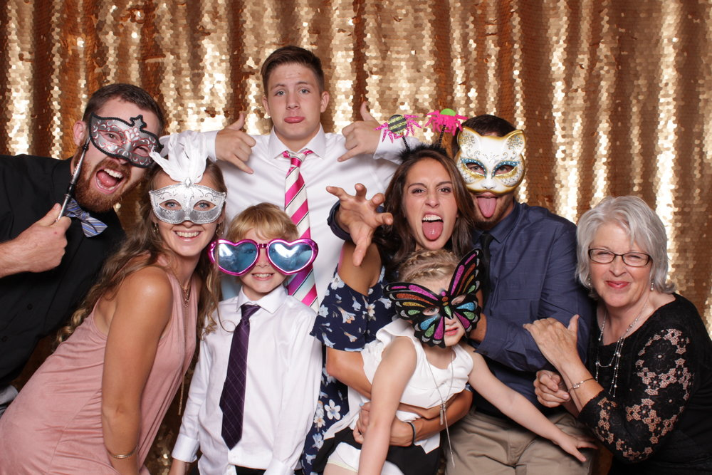 _Saint_Paul_JJ_Hill_Wedding_Photo_Booth (1).jpg