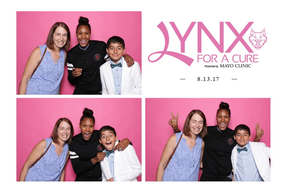 Minneapolis_corporate_photo_booth_rentals (6).jpg