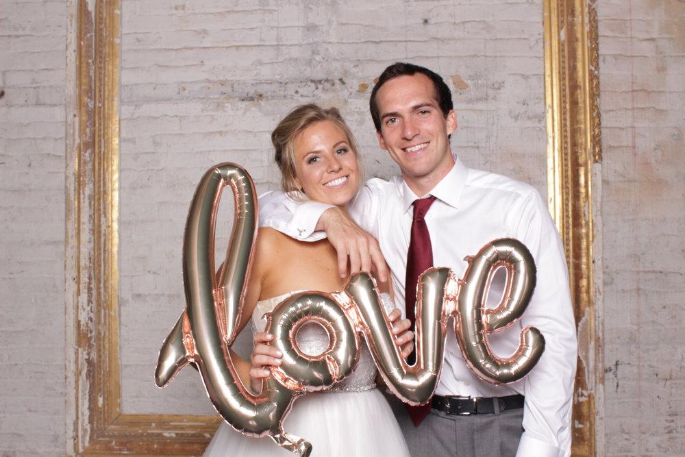 Minneapolis_Wedding_Aria_Photo_Booth.jpg