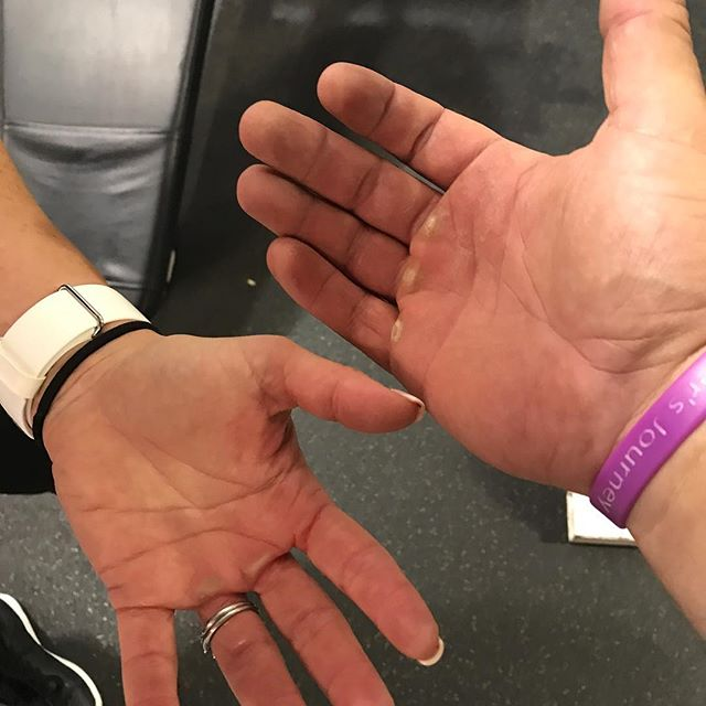 If your hands don't look like this, lift more weight! 🇺🇸🦍💪🏻🦍🇺🇸 #Annapolis #Maryland #fit #fitness #fitfam #fitfun #fitnessmotivation #instafit #instafun #instagood #instafitness #igers #igfit #igfitness #gym #gymlife #gymmotivation @keriball16