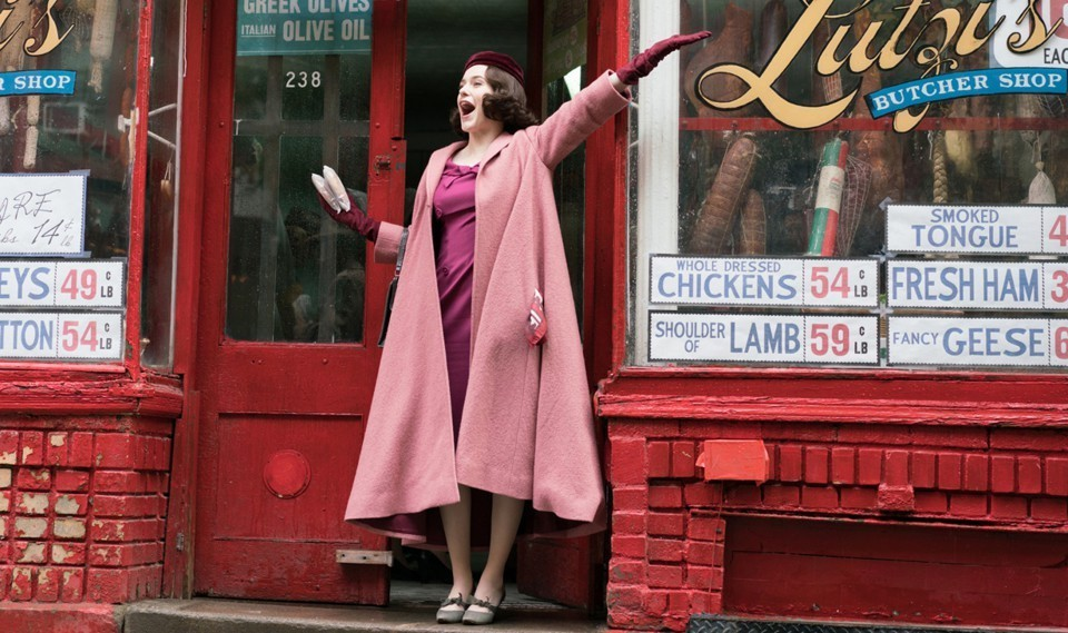 Rachel Brosnahan stars as Midge Maisel. (image via amazon)