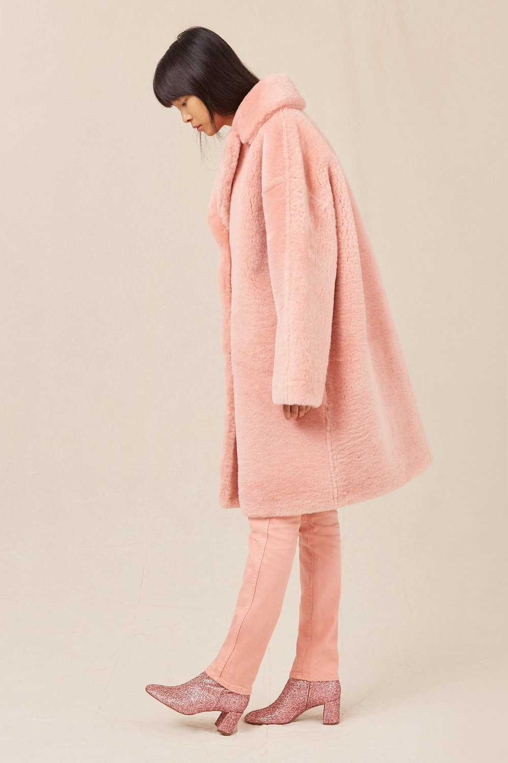 Classic_Coat_Shearling_Blush_Detail_4_1280x.jpg