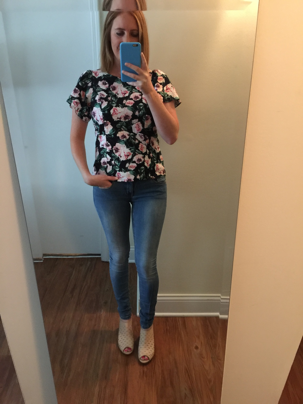 Top: Pinky Otto, Jeans: Free People,  Lightweight Stretch Skinny    ,Shoes: Clarks,