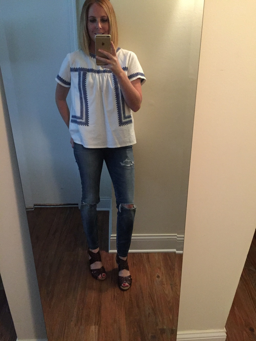 Top: Forever 21, Jeans: Madewell,  High Riser Skinny , Sandals: Clarks