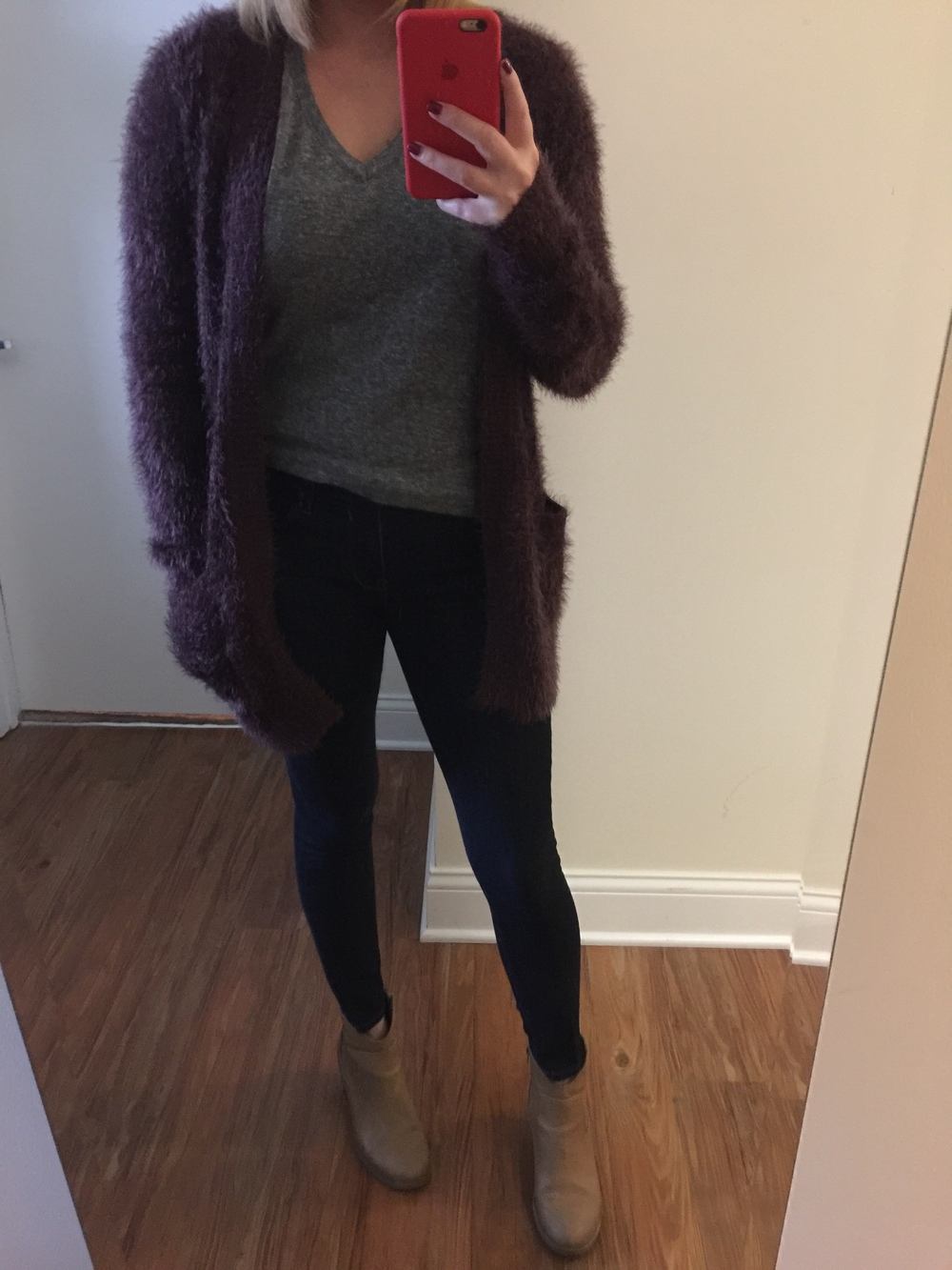 Sweater: Urban Outfitters, T-shirt: Urban Outfitters, Jeans:  Solid Dark Mid Rise Jean Legging ,Boots: Old Navy
